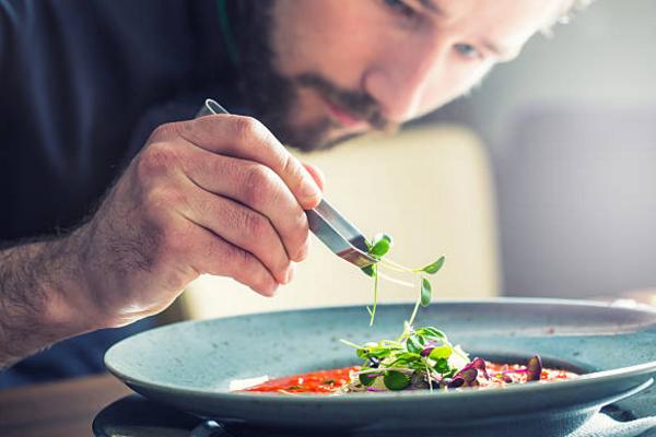 Chef De Partie là gì? Mức lương của Chef De Partie hiện nay như thế nào