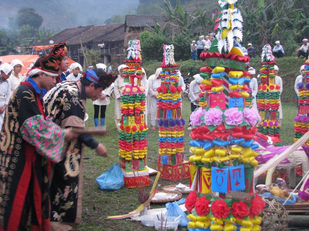Văn hóa Việt Nam : Những nét đặc sắc về phong tục tập quán