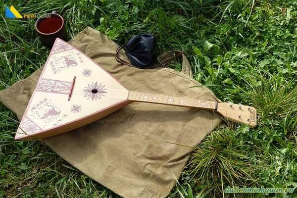 Biểu tượng văn hóa Nga: Đàn Balalaika