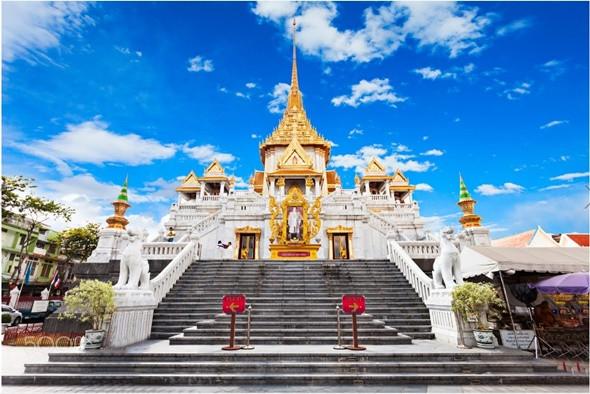 Tham quan chùa Phật Vàng nổi tiếng linh thiêng ở Thái Lan - ảnh 1