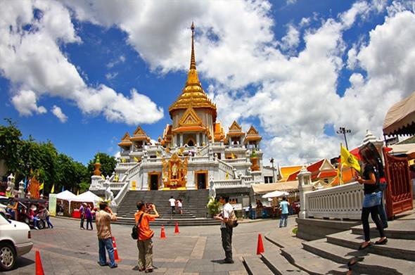 Tham quan chùa Phật Vàng nổi tiếng linh thiêng ở Thái Lan - ảnh 3