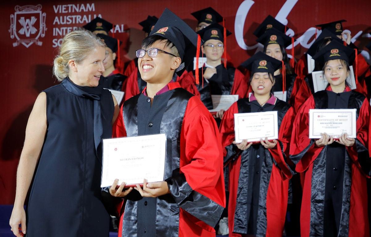 Học sinh VAS nhận học bổng du học gần 40 tỷ đồng - VnExpress